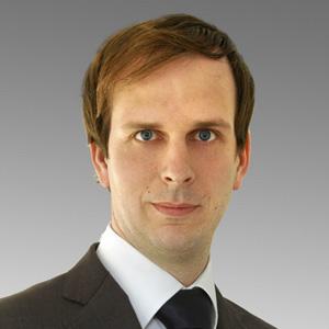 DR. MARTIN JAEKEL